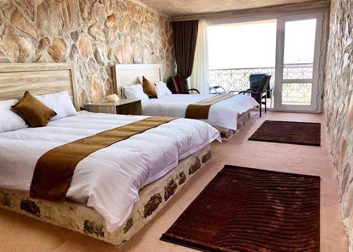 اتاق چهار تخته هتل نمکی مزرعه