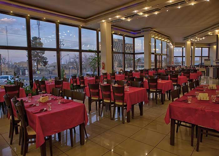 عکس رستوران هتل نگارستان کاشان