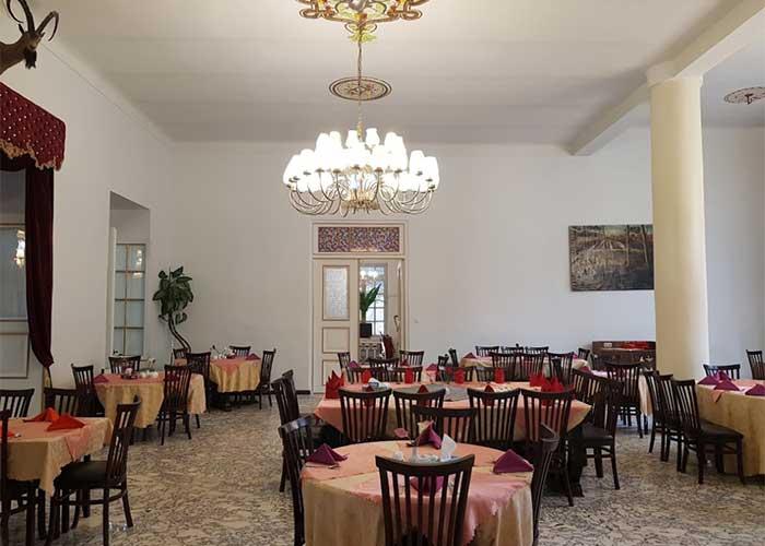 رستوران هتل باستانی نگین گچسر کرج