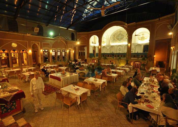 رستوران هتل سنتی نگین کاشان