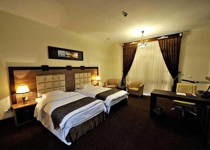 هتل نیکان بافق