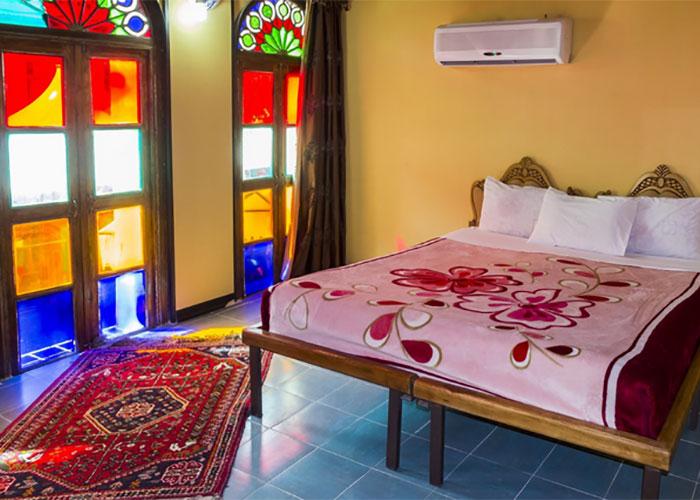 اتاق دو تخته هتل سنتی نیایش شیراز
