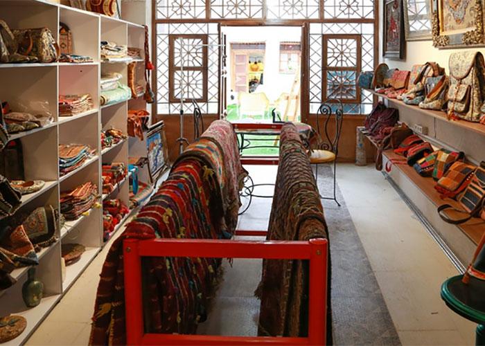 فروشگاه صنایع دستی هتل سنتی نیایش شیراز