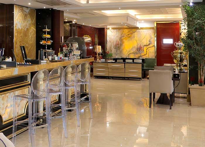 فضای رستوران هتل نیلو تهران