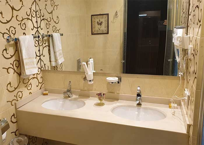 روشویی اتاق هتل نیلو تهران