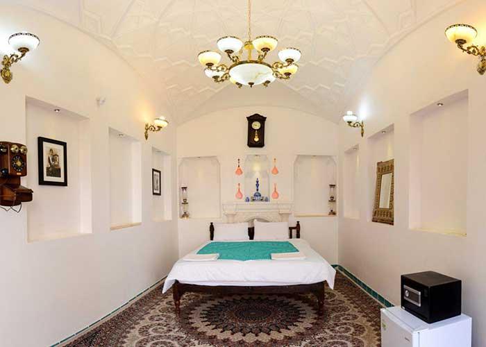 اتاق شهرزاد اقامتگاه نه چم