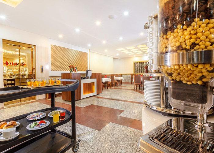 رستوران هتل پامچال تهران