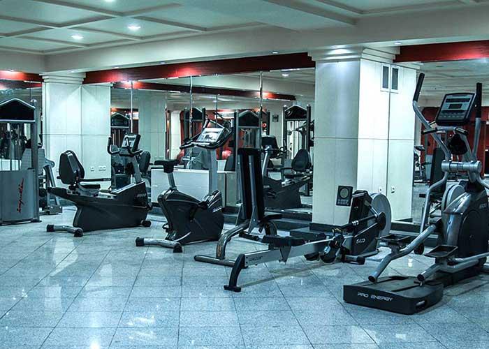 باشگاه بدنسازی هتل پاریز تهران