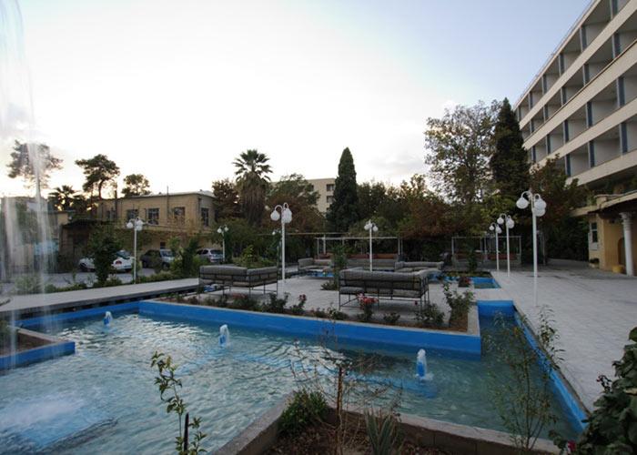 فضای سبز هتل پارک شیراز