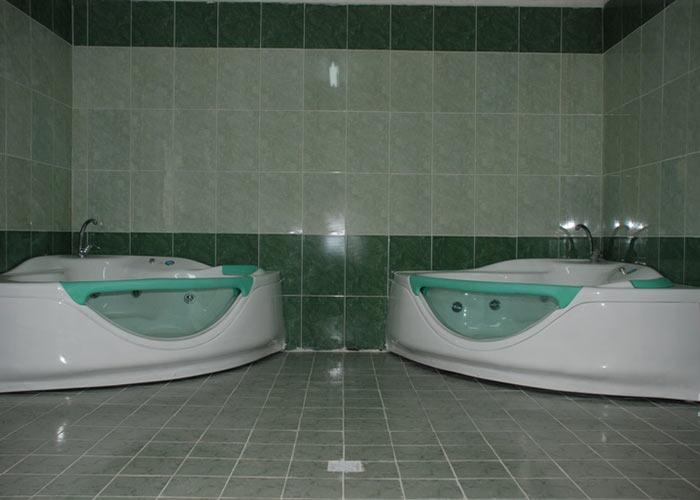 جکوزی هتل پارک شیراز