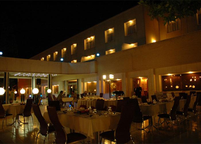 رستوران فضای باز هتل پارک سعدی
