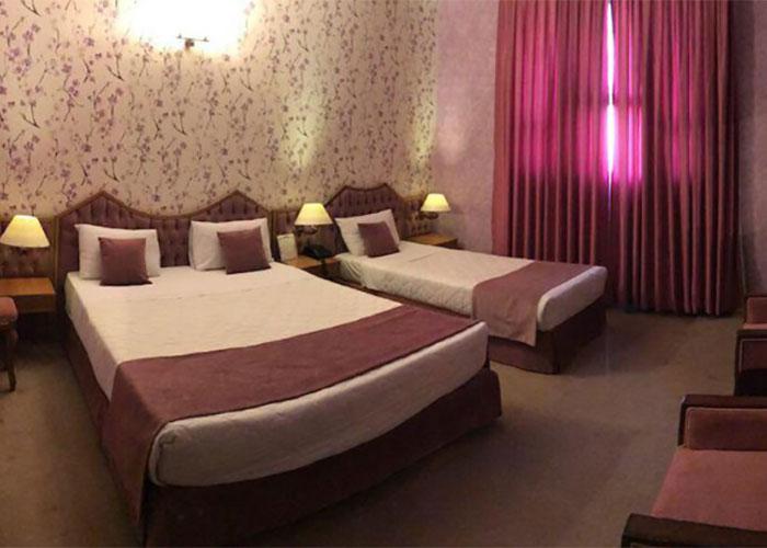اتاق سه تخته هتل پارک سعدی شیراز