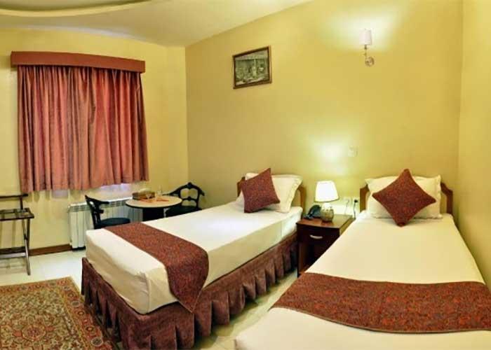 دو تخته توئین هتل پارس اصفهان