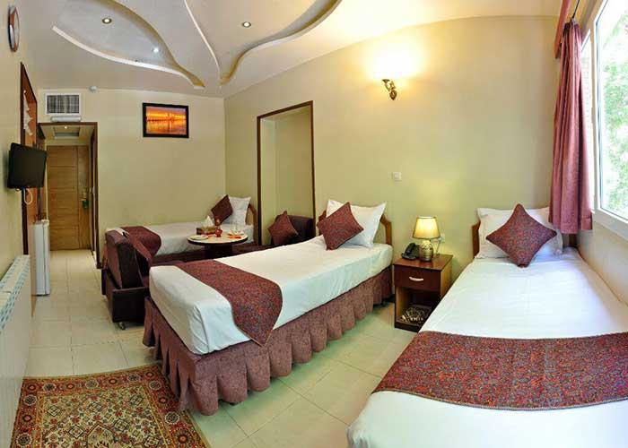 اتاق سه تخته هتل پارس اصفهان