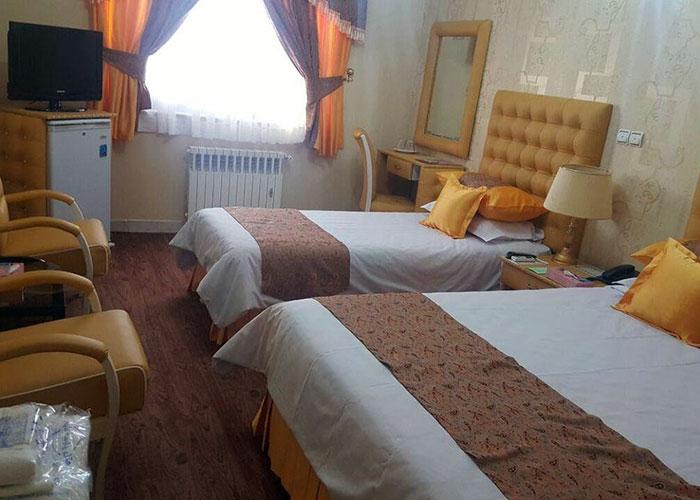 عکس اتاق سه تخته هتل پارسه شیراز