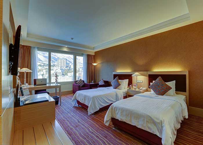 اتاق دو تخته توئین هتل آزادی تهران