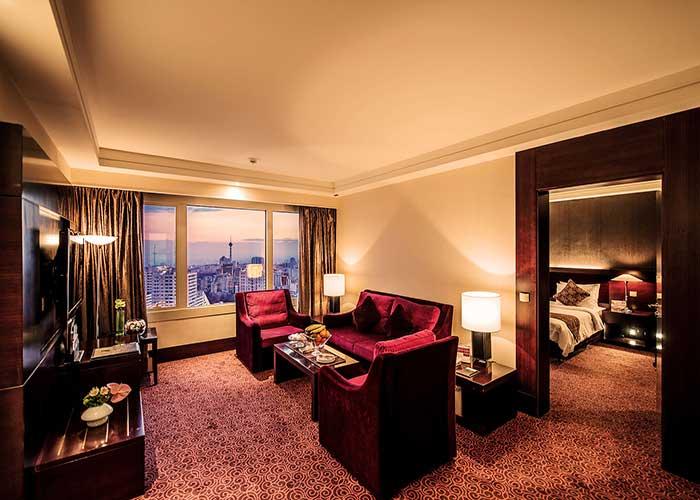 سالن نشیمن سوئیت جونیور هتل آزادی تهران