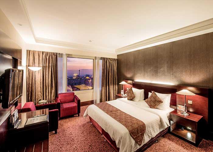 تخت سوئیت جونیور هتل آزادی تهران