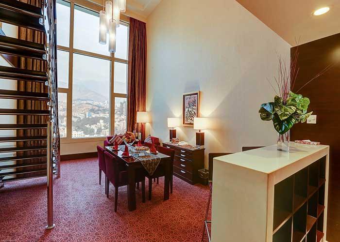 فضای سوئیت دوبلکس هتل آزادی تهران