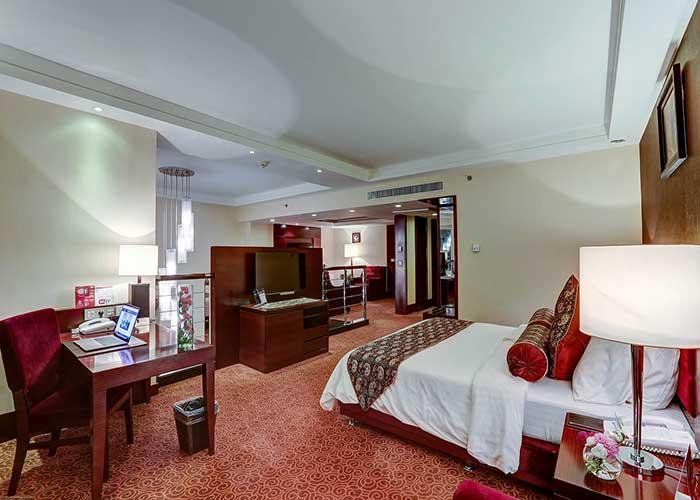 اتاق خواب سوئیت دوبلکس هتل آزادی تهران