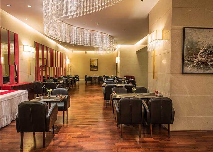 کافه ایتالیایی پرسیت هتل آزادی تهران