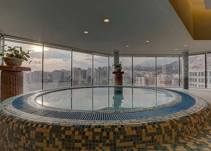 کلوپ ورزشی هتل آزادی تهران