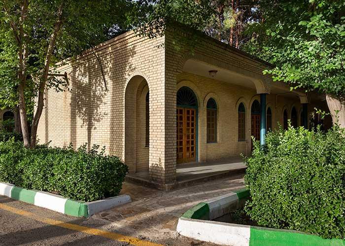 عکس ساختمان باغ هتل صفائیه یزد