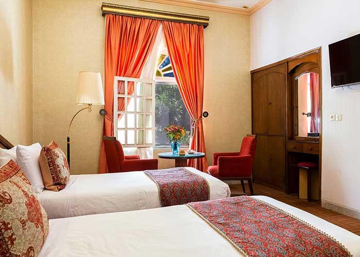 عکس دو تخته باغ هتل صفائیه یزد