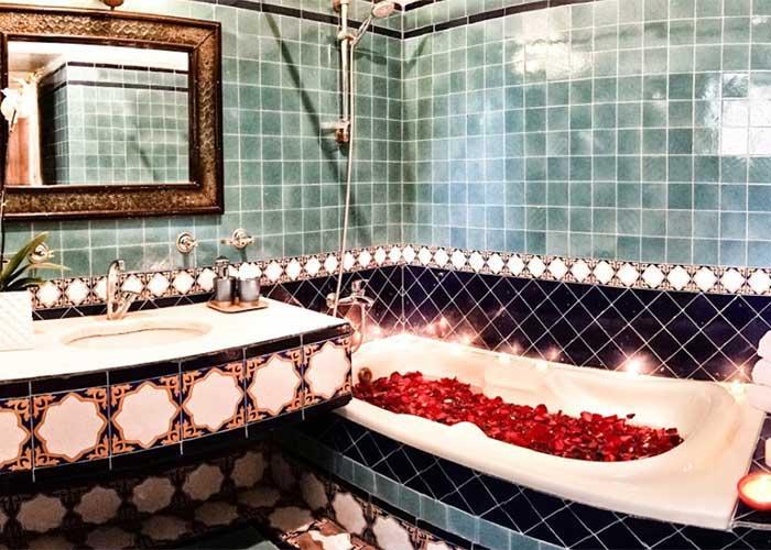 سرویس بهداشتی اتاق جدید هتل صفائیه یزد