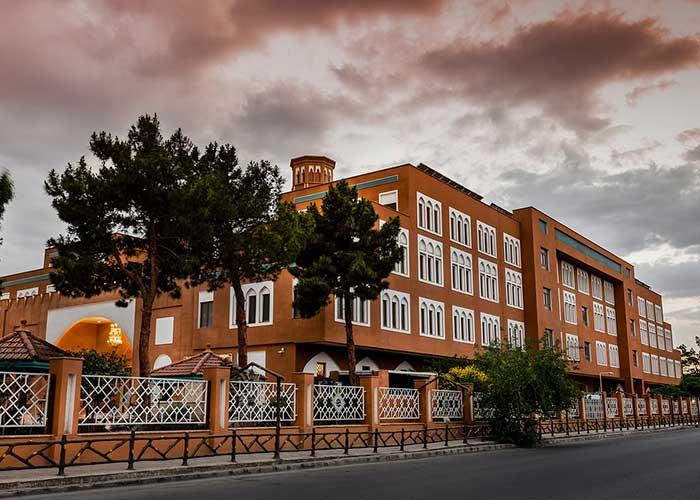 عکس ساختمان هتل صفائیه یزد
