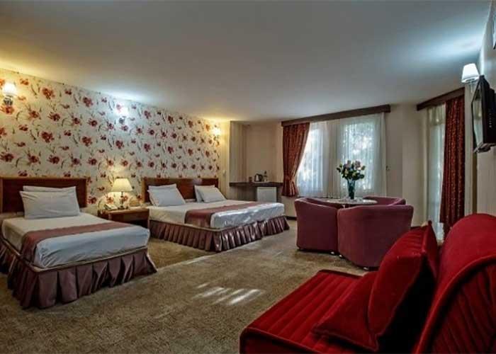 سه تخته هتل پارسیان سوئیت اصفهان