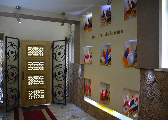 ورودی هتل هخامنشیان پارتاک اصفهان