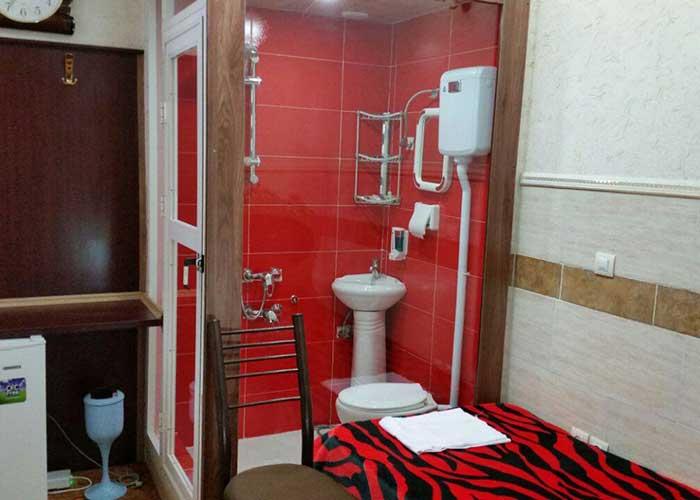 اتاق یک تخته هتل آپارتمان هخامنشیان پارتاک اصفهان
