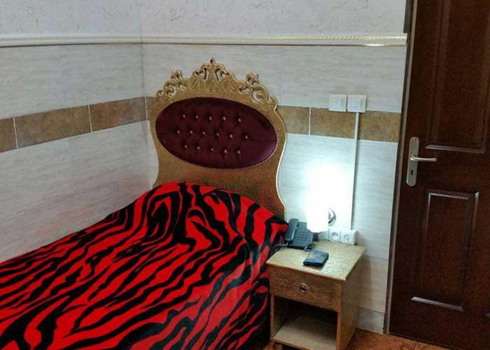 اتاق یک تخته هتل هخامنشیان پارتاک اصفهان