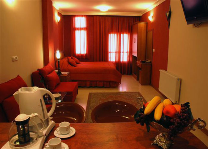 دو تخته هتل آپارتمان پارتیکان اصفهان