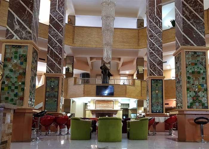 فضای لابی هتل پتروشیمی تبریز