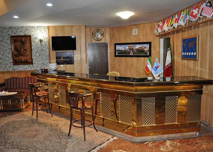 پذیرش هتل پتروشیمی تبریز