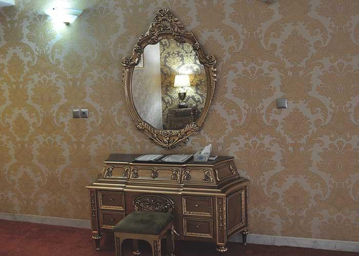 میز اتاق هتل پتروشیمی تبریز