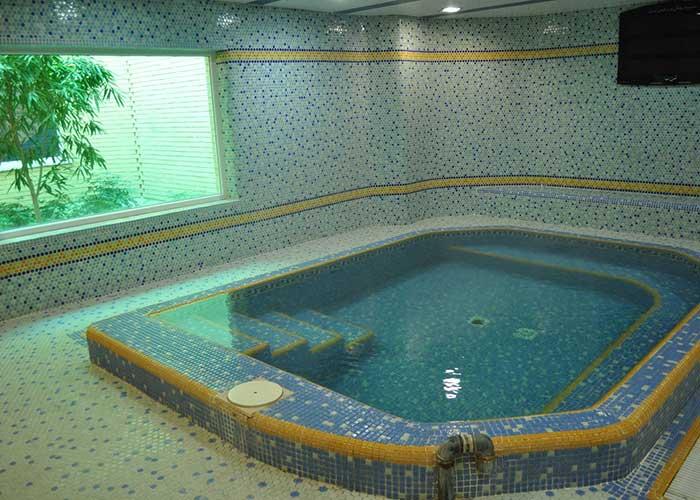 استخر هتل پتروشیمی تبریز