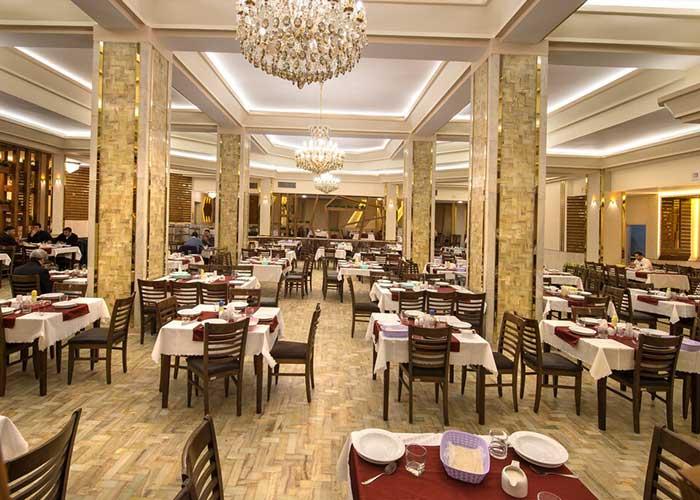 سالن رستوران هتل پتروشیمی تبریز