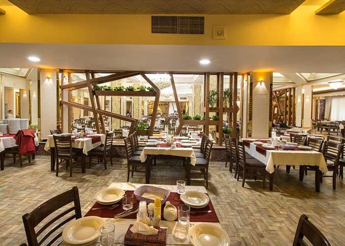 رستوران هتل پتروشیمی تبریز