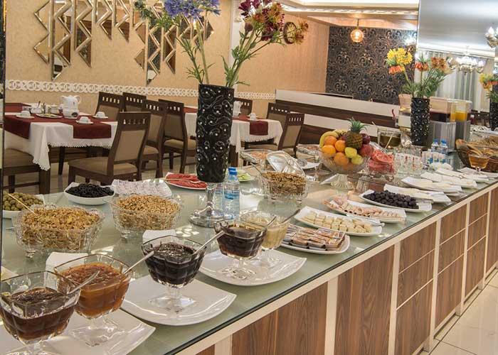 سالن VIP هتل پتروشیمی تبریز