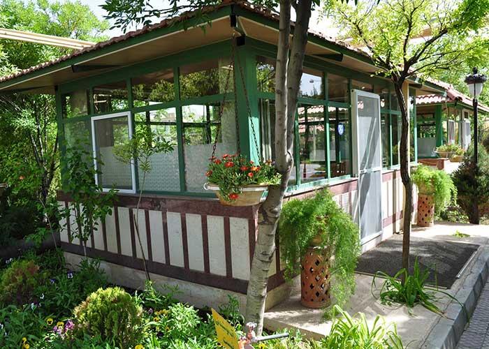 آلاچیق کافه سنتی هتل پتروشیمی تبریز