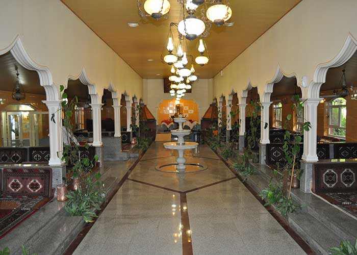 کافه سنتی هتل پتروشیمی تبریز