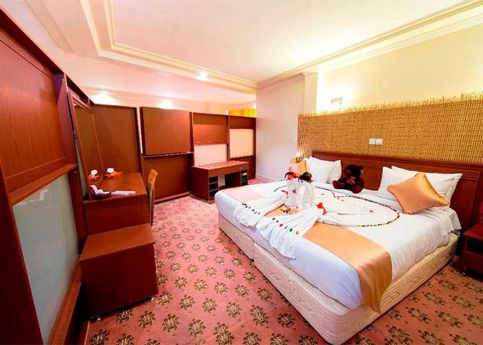 اتاق ماه عسل هتل پیروزی اصفهان