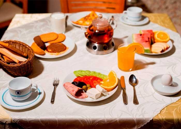 صبحانه هتل پیروزی اصفهان