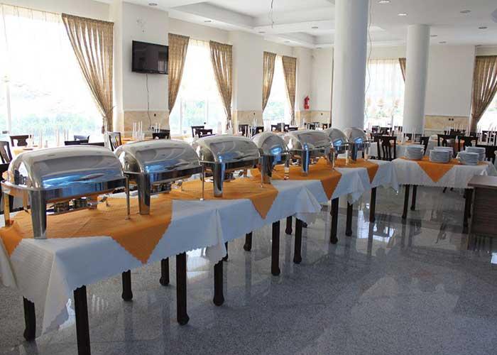 رستوران هتل سبز نیاسر