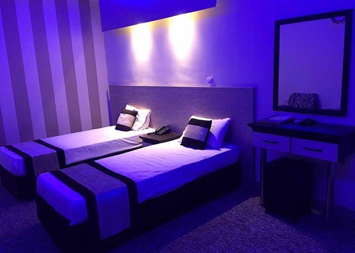اتاق هتل صدرا شیراز