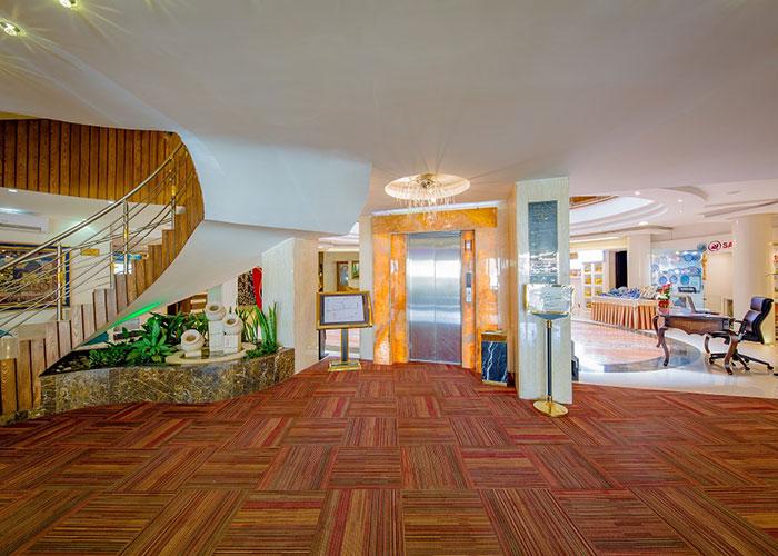 آسانسور هتل سفیر اصفهان