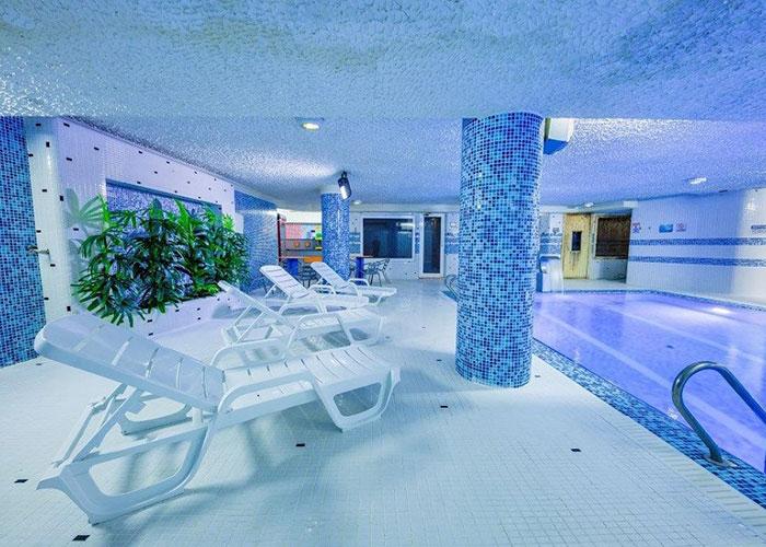 عکس استخر هتل سفیر اصفهان